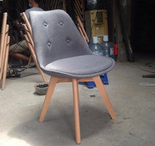 Ghế Eames chân gỗ lót nệm bọc vải có cúc A28
